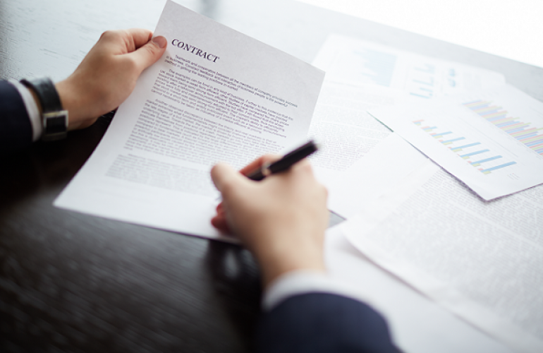Working In Qatar: Important Documents For Employees